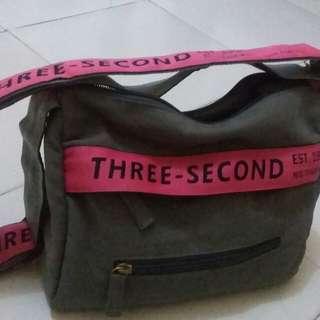 Tas brand three second wanita