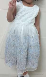 Flower girl dress/6 -10 yrs