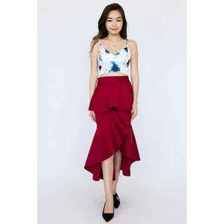 *FREE DELIVERY to WM only / Ready stock* Ladies ruffle skirt each as shown in design/color. Free delivery is applied for this item.