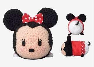 Knitting Minnie