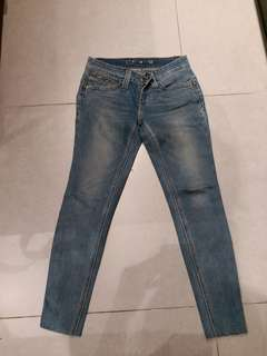 90%New Levis 牛仔褲size 24