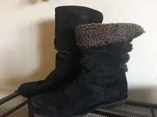 Stuart Weitzman winter boots size 8