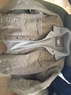 Men's Winter/Fall/Spring jacket light warm and comfy very good condition
