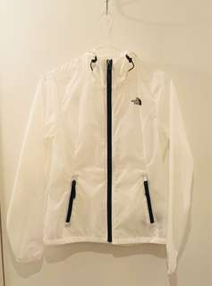 Northface wind breaker female XS