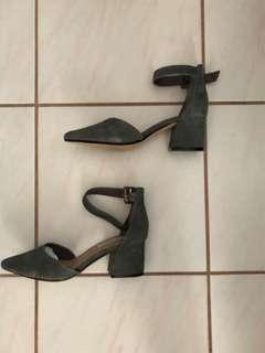 (Brand New) Steve Madden GDAINNA Heels