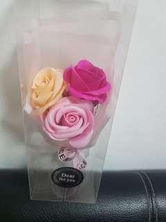 Mini bouquets in a box