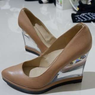 REPRICE CHARLES AND KEITH CLEAR WEDGES