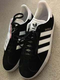 Adidas gazelle 8.5 NEW WITH TAGS