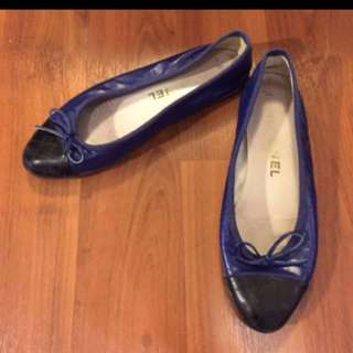 Authentic Chanel flats - size 36