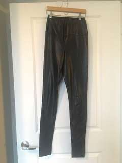 Wilfred Free Vegan Leather leggings size small