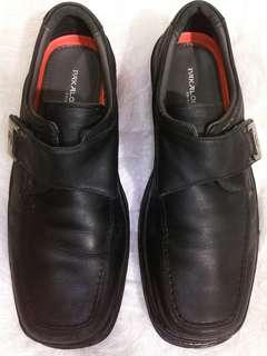 Sepatu kulit pantofel Pakalolo