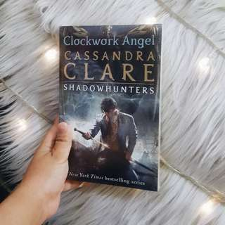 The infernal devices - Clockwork Angel by Cassandra Clare