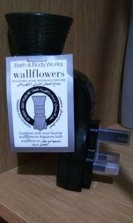 Bath and Body Works Wallflower 220v Plug BLACK