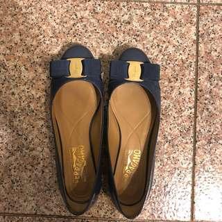 Ferragamo Varina flat shoes size 5(95%) new