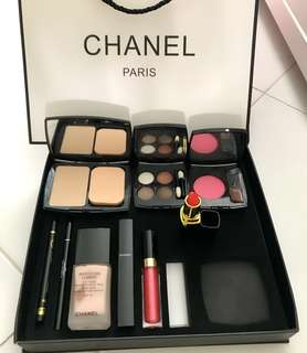 Chanel Gift 9 in 1 ( Fast deal $80)