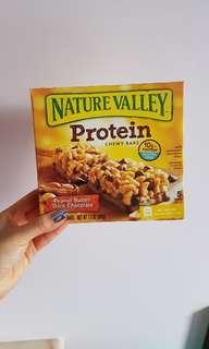 Nature Valley 天然燕麥蛋白質條 (花生醬黑朱古力味)