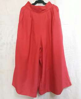 Wide leg red cullotes