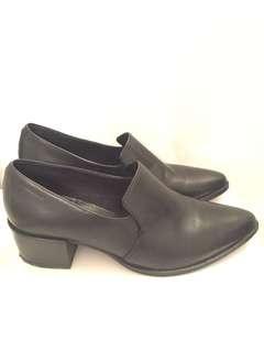 Vagabond black leather boots - size 40