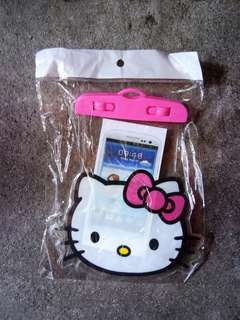 HELLO KITTY WATERPROOF POUCH