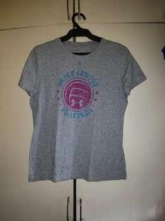For sale original underarmour heatgear shirt for ladies not nike