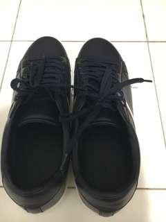 Preloved sepatu pria pull & bear