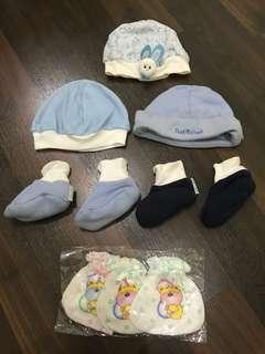 Topi dan sepatu set for newborn baby.