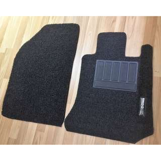 MERCEDES-BENZ C-CLASS C180 C200 OEM FITMENT CAR FLOOR MATS.. BLACK PVC FRONT & REAR FLOOR MATS 3 PCS  OTHER COLOR AVAILABLE - RED, BLACK ,GREY ,BEIGE ,BROWN & BLUE...PLEASE CONTACT SELLER BEFORE DROPPING BY !!