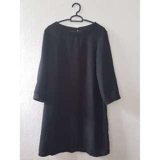 Black Long Sleeved Shift Dress