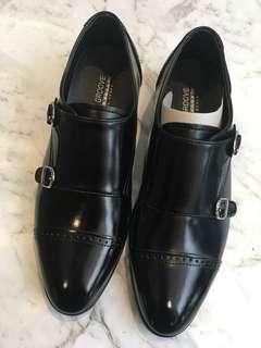 Monks shoe brand new in black (39)