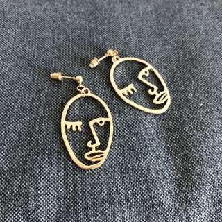 Funny face wink dangling earrings