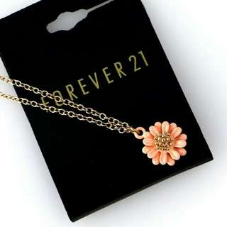 Forever21 Floral Ceramic Necklace