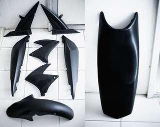 Fz 150 cover set & seat (1st model)