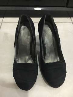 TLTSN Heels Black Suede