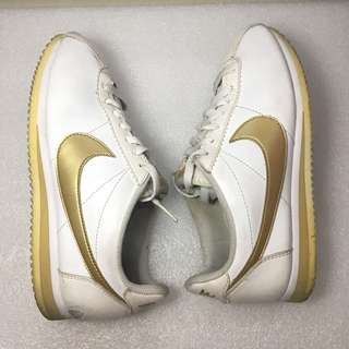 Womens Nike Classic Cortez Leather