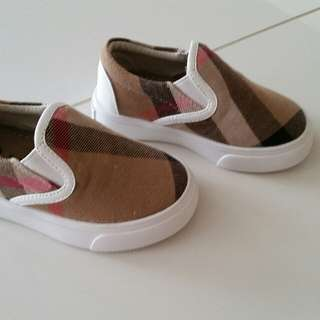 BURBERRY baby toddler CHECK slip ons shoes Girls Boys SIZE 21