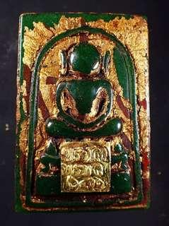 泰國佛牌~百年經典~崇笛佛 泰國佛牌~百年經典~崇笛佛 #玉佛寺 #崇迪佛 #阿贊多 #BE2411  凱撒崇迪佛 Phra Somdej   Phra Putta Charn Toh Prommarangsi Wat Phra Kaew 玉佛寺 BE2401-2411。 盜相必究
