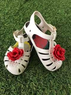 Mini Melissa Shoe us 8