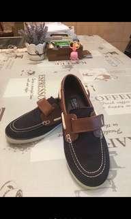 🚚 大童休閒鞋