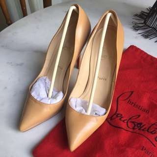Christian Louboutin pigalle nude 39 1/2
