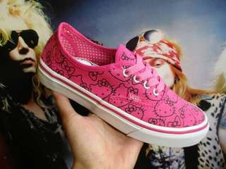 Vans authentic hello kity pink