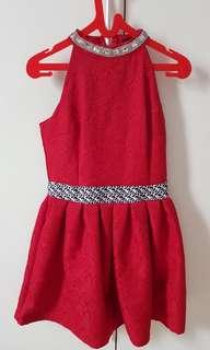 Dress merah halter mewah pesta