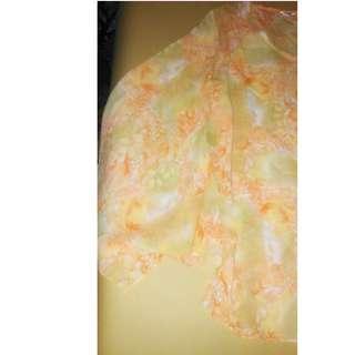 Atasan model kelelawar warna oranye bunga-bunga