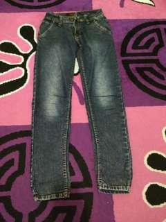 Jeans Size 27-28