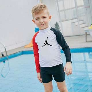 Rashguard Free size  Fit 3-6year