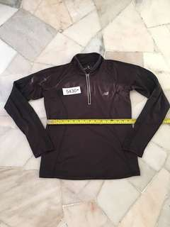 Under armour Long sleeve size M no 5430