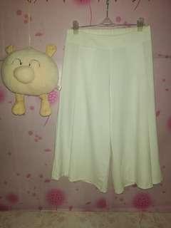 white squarepants/cullotes