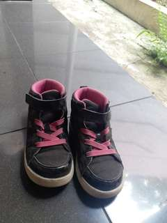 Toes Zone Shoes Black Pink