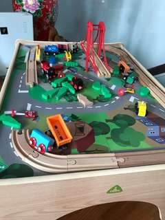 ELC big city small train table set + universe of imagination set