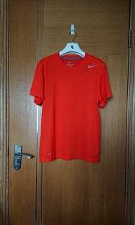 男裝Nike Dri -Fit Tee Size M