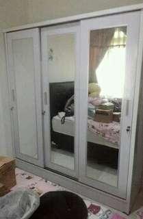 Lemari sleding pintu tiga T200 P200 L50